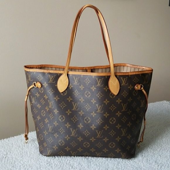 Louis Vuitton Handbags - Authentic Louis Vuitton Neverfull MM 542ab1bd0f502
